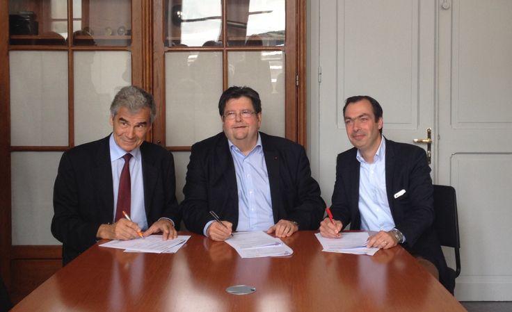 Signature de la convention entre la Faculté de Droit de l'Université catholique de Lille et l' #IESEG dans le cadre du Double Diplôme en #Droit et #Management