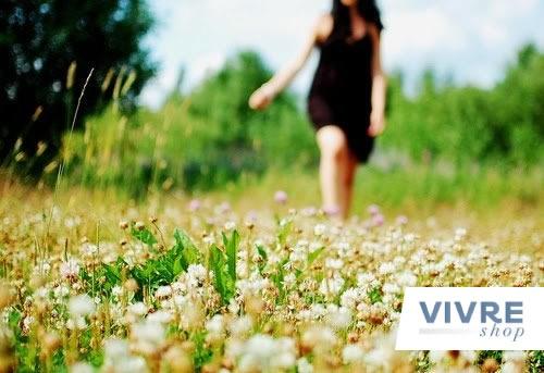 Estar entre as flores e o frescor do campo é uma das sensações mais relaxantes que a natureza pode nos proporcionar, por isso, os perfumes florais são a escolha certa na hora de se sentir mais leve, feminina e liberta!    Cheirinho de flor: http://www.vivreshop.com.br/secao/1001/Femininos=pinterestazclick