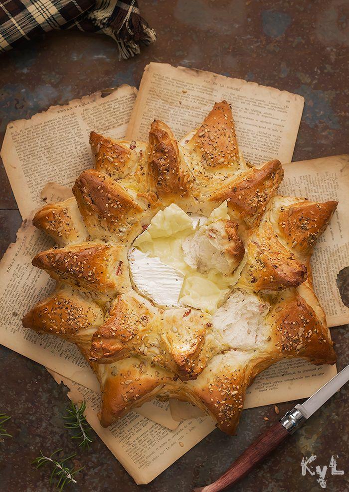 Pan de beicon y romero con camembert - Kanela y Limón