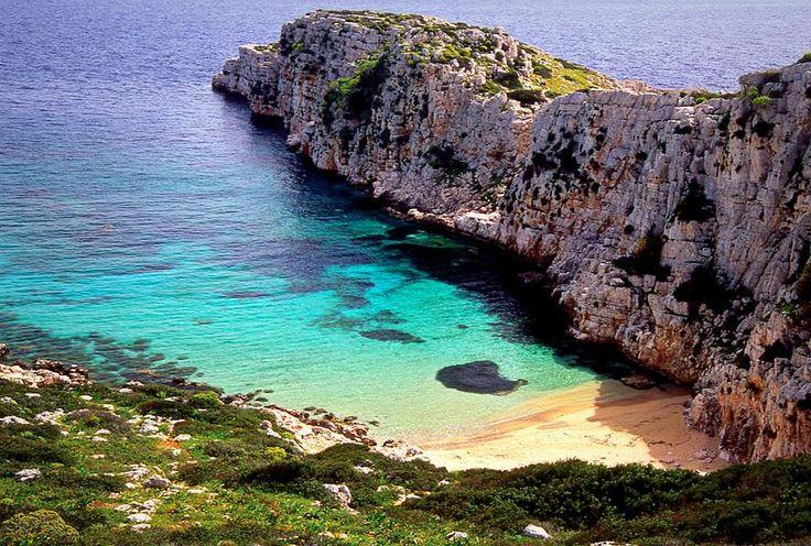 Στη παραλία Βουρλιά της νήσου Πρώτης!  Vourlia beach, Proti island.
