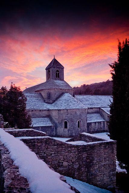 Amazing! Sénanque sous la neige by Barrail.