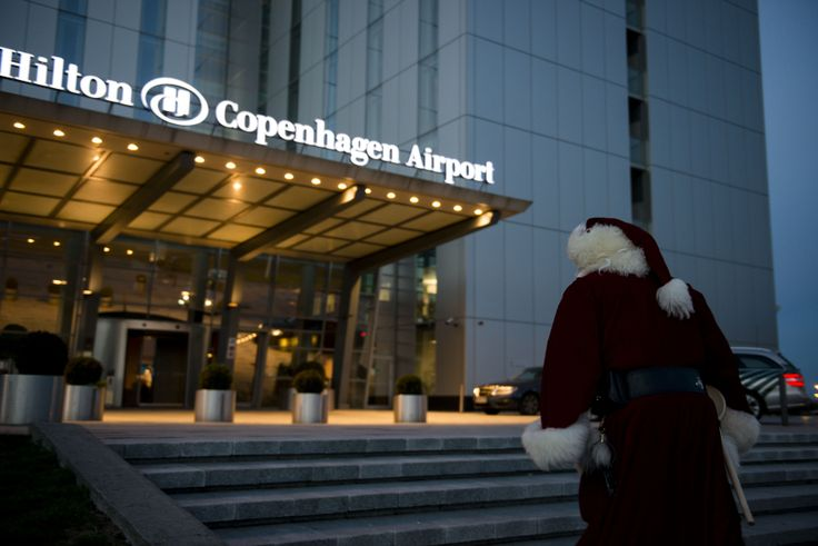 """Poor Santa! Mrs. Claus has grown suspicious of all his """"overtime"""", late nights and morning arrivals smelling like a chimney. He wants to invite her to the Hilton - but what should he pick? Brunch or dinner? #CPHchristmas13"""