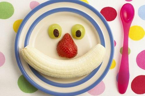 Com as frutas e verduras mais coloridas à sua disposição, deixe a sua criança interior falar mais alto e crie os personagens mais variados para sua mesa.