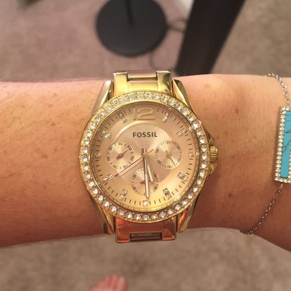 Fossil gold watch Good condition minus a few small scratches(tried to show in pictures) missing 2 links that were removed Fossil Jewelry