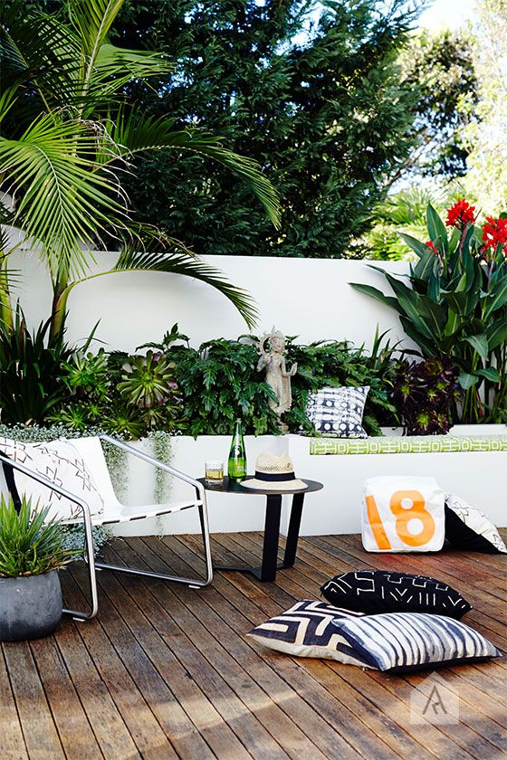 South Coogee landscape design styling project. Photography by Natalie Hunfalvay. Project by Pepo. Styling by Adam Robinson Design