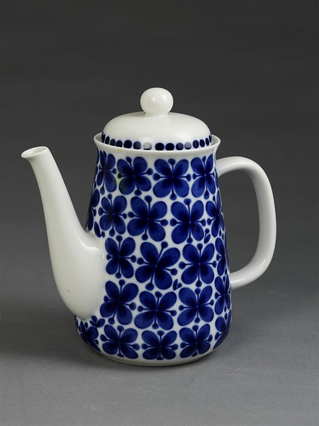 Coffee pot and coverPlace of origin:Sweden (made)Date:1951 (designed)  ca. 1986 (made)Artist/Maker:Westman, Marianne (designer)  Rörstrand (manufacturer)Materials and Techniques:Porcelain with printed decoration
