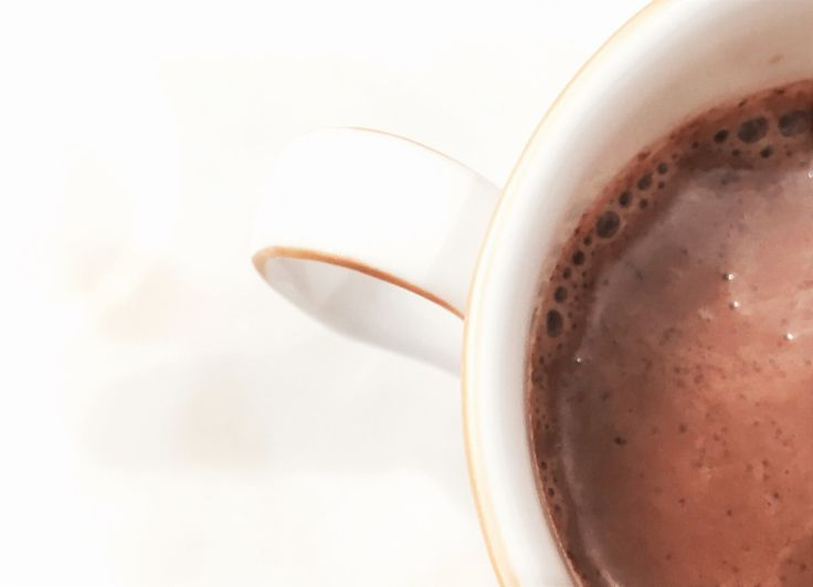 Can hot chocolate be healthy? Yes! #healthyhotchocolate #hotchocolate #chocolate #healthyrecipe #hotchocolaterecipe