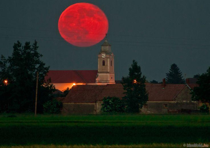 Moon - Páli, Hungary 2015.06.03.