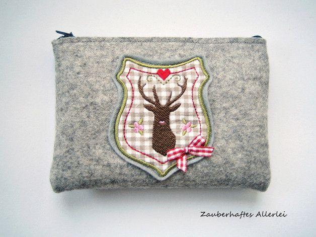 Graue Tasche für die Dirndlschürze mit zwei Schlaufen und Hirsch aus Wolle, grey dirndl dress bag with deer by Zauberhaftes Allerlei via DaWanda.com