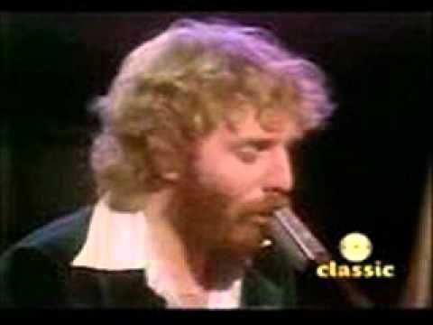 Andrew Gold - Never Let Her Slip Away ( 1977 ) - YouTube