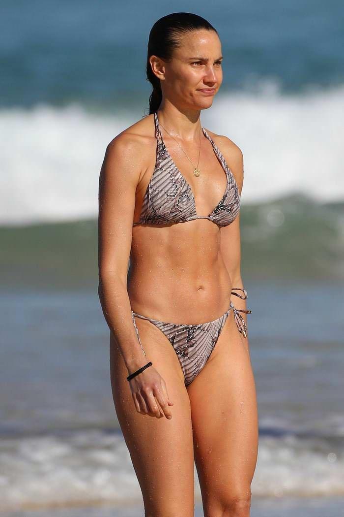 Rachael Finch Shows Off Her Incredible Bikini Body On Bondi Beach Bikinis Bondi Beach Bikini Bodies