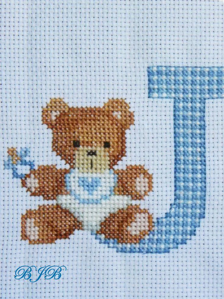 Resultado de imagen de osos en punto de cruz para baberos
