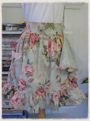 Adorable Romantic Cabbage Roses Apron with attached dishcloth and fold-down pocket. Use vintage sheets?