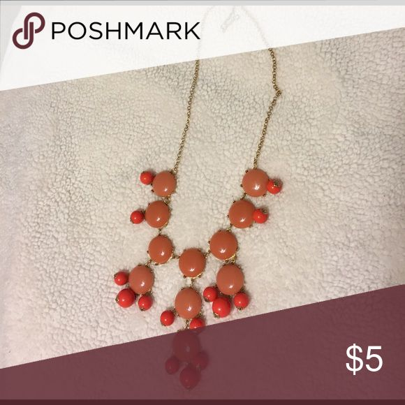 Coral/pink statement bubble necklace Gorgeous statement necklace. Would look beautiful with a crew neck or boat neck top! Purchased from a boutique years ago. Jewelry Necklaces
