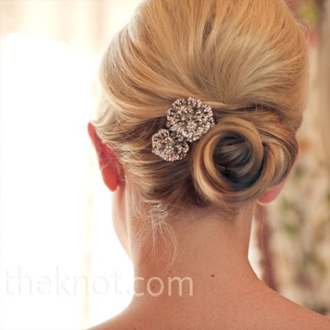 Real Weddings - A Formal Outdoor Wedding in Colorado Springs, CO - Crystal Flower Hairpieces: Outdoor Wedding, Old Hollywood Hairstyles, Bridesmaid Hair, Crystals Flowers, Flowers Hairpiece, Hair Pieces, Wedding Updo, Wedding Hairstyles, Romantic Hairstyles