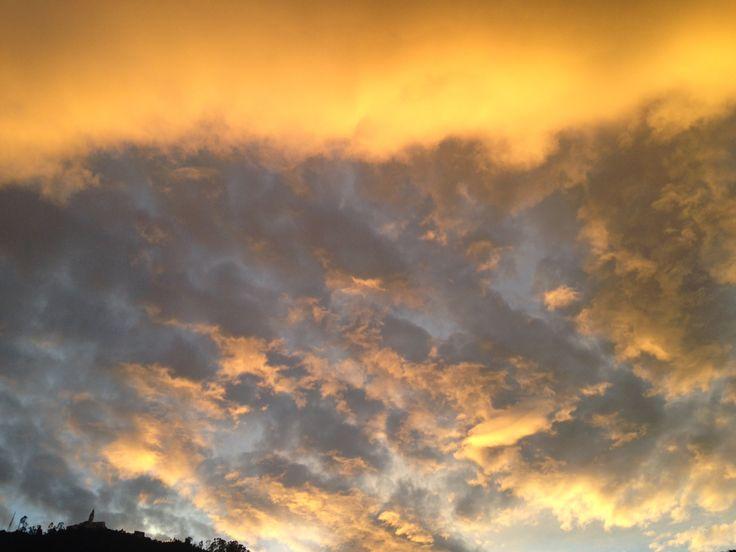 Yellow sky over Bogotá, Colombia