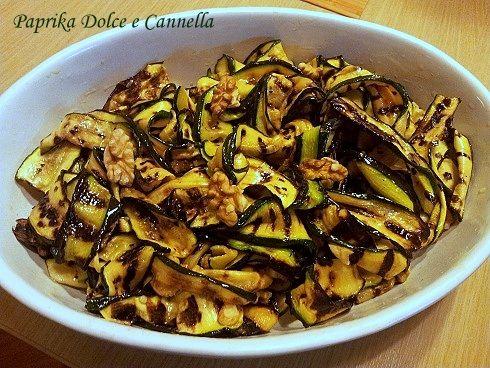 Zucchine Grigliate con Gherigli di Noci | Paprika Dolce e Cannella
