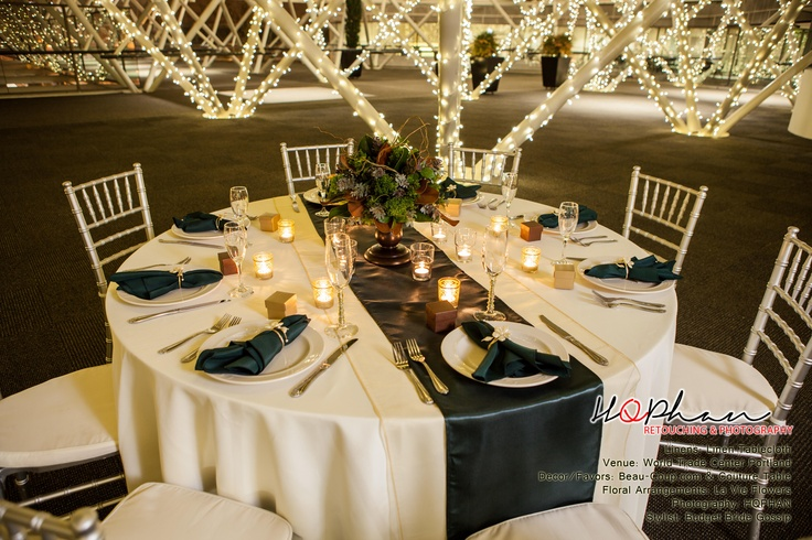 Best 25 hunter green weddings ideas on pinterest for Table ronde 14 personnes