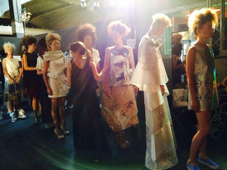 Lavori degli allievi della Fashion Look Academy - backstage sfilata Altaroma per l'Accademia di Moda Maria Maiani