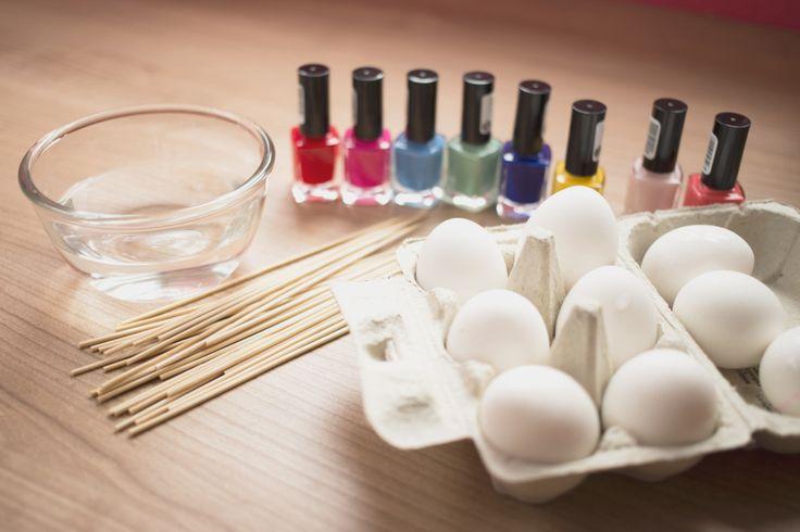 DIY paaseieren versieren met nagellak - Love2BeMama