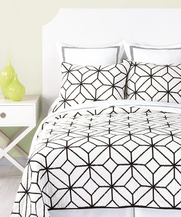 light & bright bedroom. love the graphic duvet and the pop of yellow. Macy's #sponsored