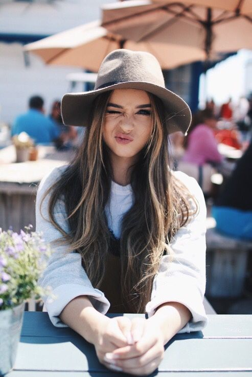 love this hat for the fall fashion and long hair.