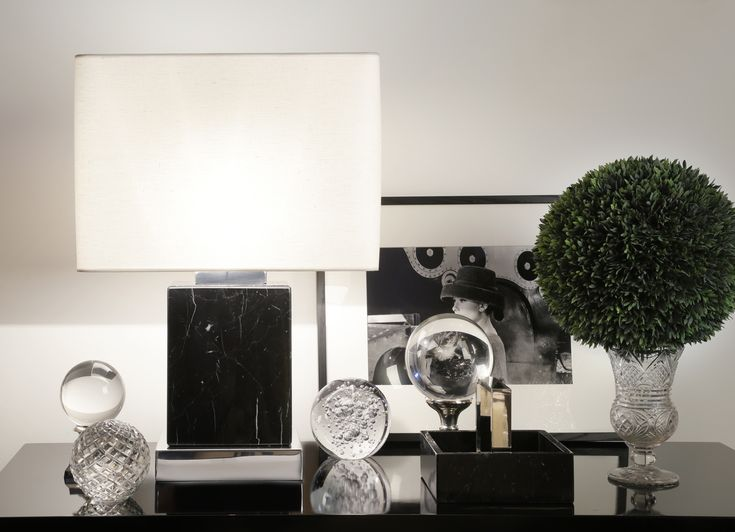Simply elegant marble designs, to enlighten your home through Christmas time 🎄 Black marble Lamp & Tray with polished nickel details. Now available at Hometradition Concept and Interni Store. #imarinopoulos #jpmluxuryliving #joannamarinopoulos #JPMmydesign #jpmproducts #everythingaboutdesign