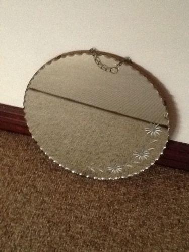 Vintage-Round-etched-Mirror