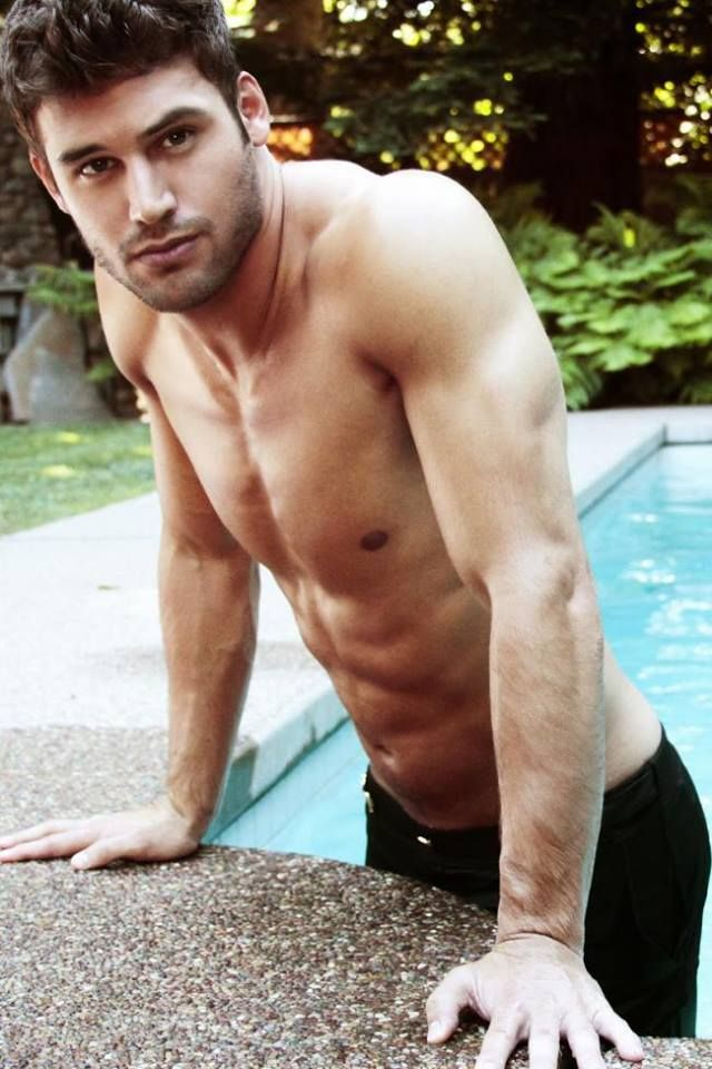 The Boy Next Door star Ryan Guzman addresses those J. Lo rumors