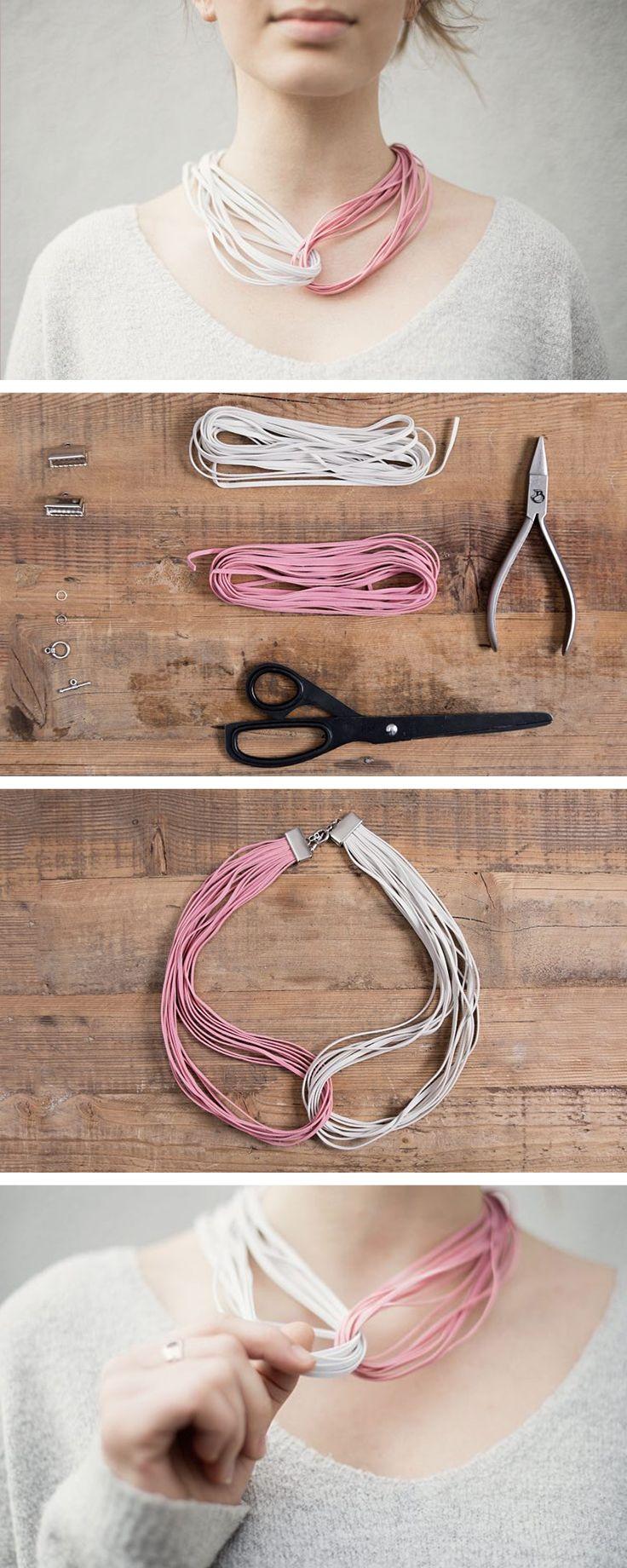 Semplicissima e ideale da indossare tutti i giorni: collana multifilo in cordini di pelle bicolore - http://it.dawanda.com/tutorial-fai-da-te/creare-gioielli/come-fare-collana-multifilo-cordini-pelle-bicolore
