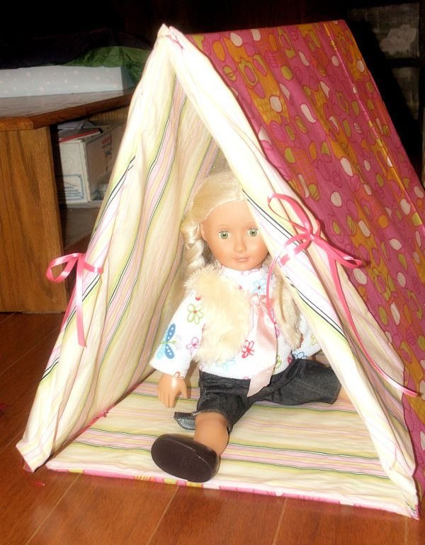 Tutorial: Make a Sleeping Bag and Tent for an American Girl Doll!   Thefrugalcrafter's Weblog