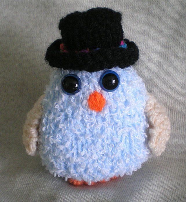 Knitted toy,Hand knitted owl,Top hat,Owl in a black topper,Safety blue eyes, £4.50