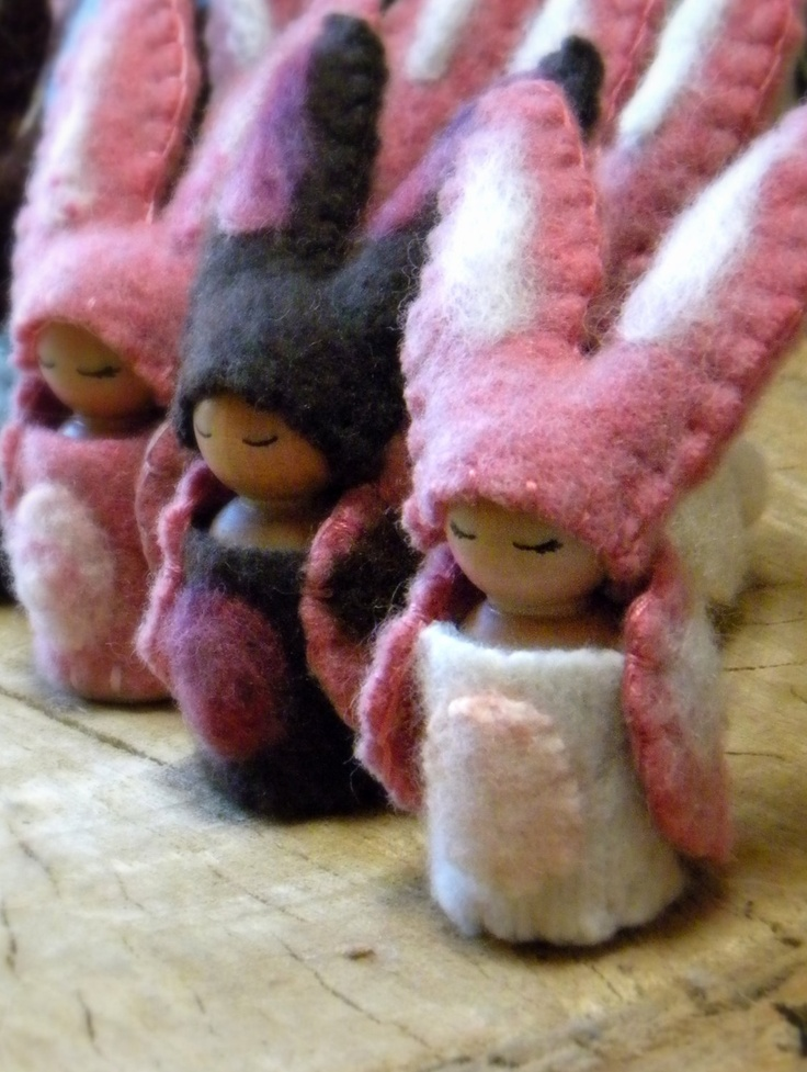 Waldorf Bunny Peg Doll - so cute and easy to make!