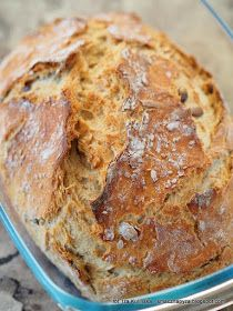 chleb z garnka, chleb nocny, chleb pieczony w naczyniu zaroodpornym, chleb z ziarnami, chleb drozdzowy, jak upiec chleb z naczyniu zaroodpornym, jak upiec domowy chleb, bardzo latwy chleb, prosty przepis na chleb domowy