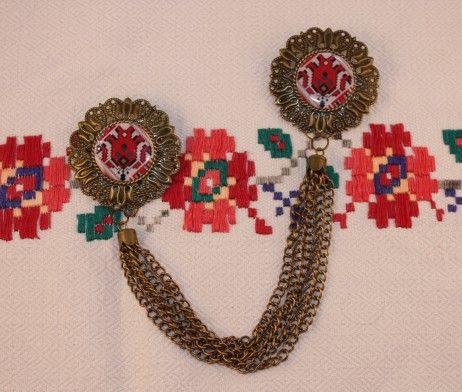 traditional romanian pattern - double brooch