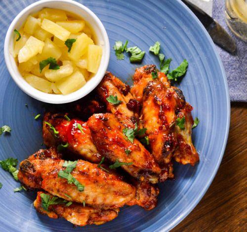 These peri peri and pineapple glazed chicken wings combine the  Mein Blog: Alles rund um Genuss & Geschmack  Kochen Backen Braten Vorspeisen Mains & Desserts!
