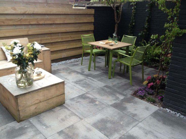 GeoColor 3.0 by @MBI Tuin  Lakeland Grey 60x60x6 cm. #tegels #tuintegels  Geleverd voor een tuin in Zwolle. http://tegels.nl/5439/tegels/kampen/mbi-de-steenmeesters.html