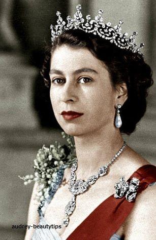 「【英国王室】キャサリン妃 2014年2月 女王のジュエリーを借り受け登場」の画像 Time Tested Beauty …  Ameba (アメーバ)