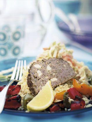 Farsbrød i en græsk variation med lammekød, hvidløg, feta og masser af tørrede krydderurter.