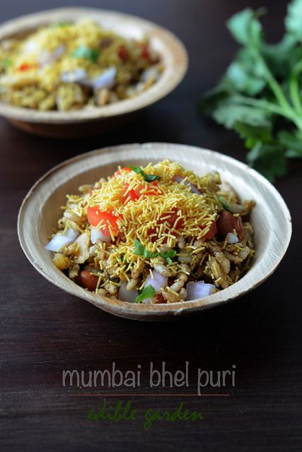 Bhel Puri Recipe, How to Make Bhel Poori Step by Step. Easy Indian chaat recipes that are vegetarian and sometimes vegan.