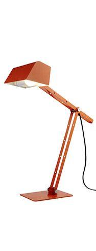 Une lampe de bureau, oui, mais originale ! Ce modèle joue la carte de la couleur et du design. La lampe de bureau Bony Orange en métal ravira les amateurs d'objets déco tendance.