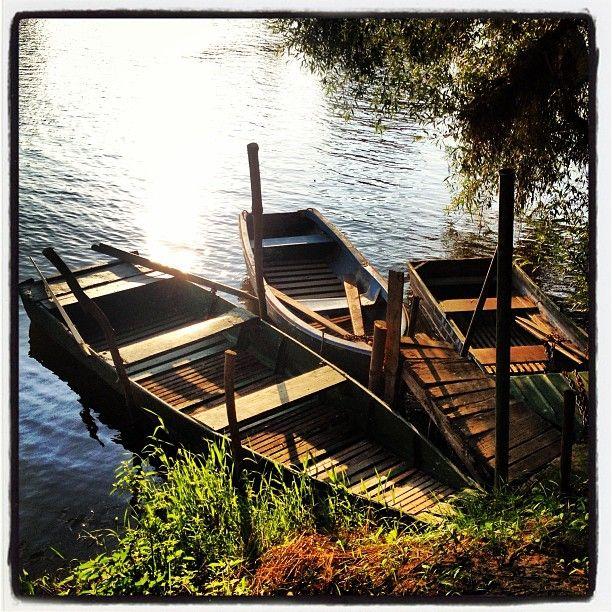 Zaparkované loďky u Kazína