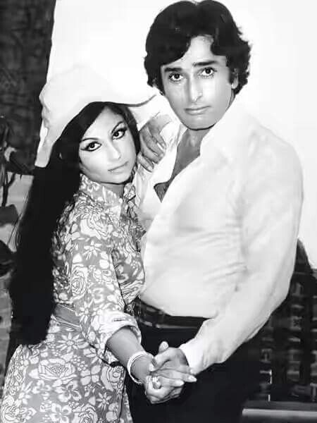 Rakhee and Shashi Kapoor