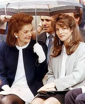 young caroline with jackie: from the kennedy family forum. Her mother's elegant face, her father's Irish coloring. Lovely.