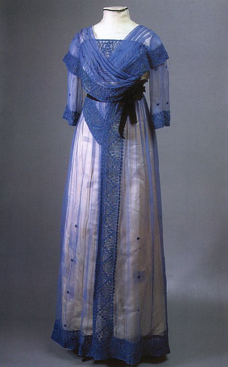 1910s dress, scanned from Russian Elegance.  They were harking back to the 1810s, weren't they? And now it's the 2010s!