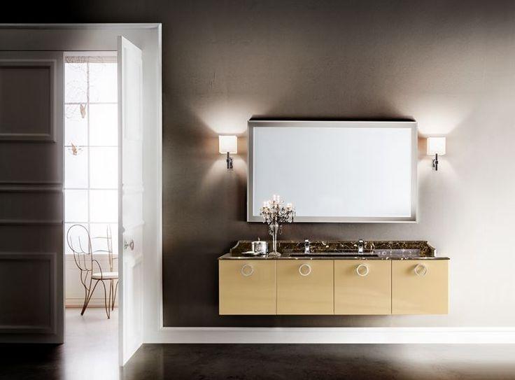 Sempre attuale ed elegante, l'arredo bagno classico dona stile e raffinatezza alla stanza da bagno; Pezzi unici spesso creati da sapienti mani artigiane. http://www.arredamento.it/arredo-bagno-classico-fascino-senza-tempo.asp #arredobagno #bagnoclassico #bagno