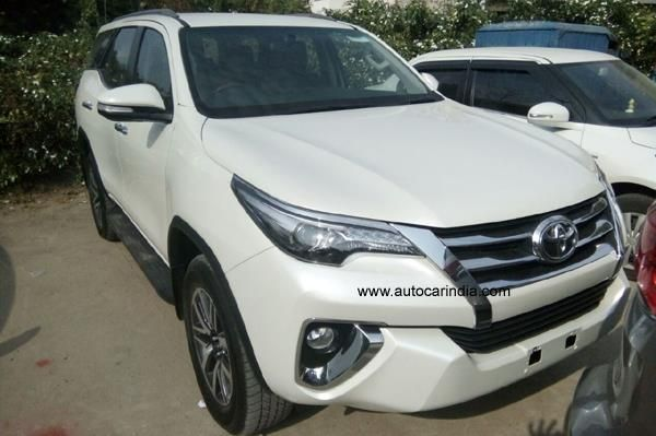 2016 Toyota Fortuner starts arriving at Indian dealers