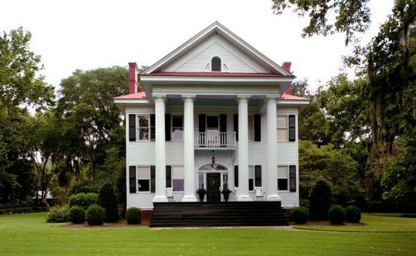 Sehen Sie dieses Plantage-Haus - Renovierung eines historischen Plantage-Hauses - http://wohnideenn.de/exterior-design/08/plantage-haus-renovierung.html  #ExteriorDesign