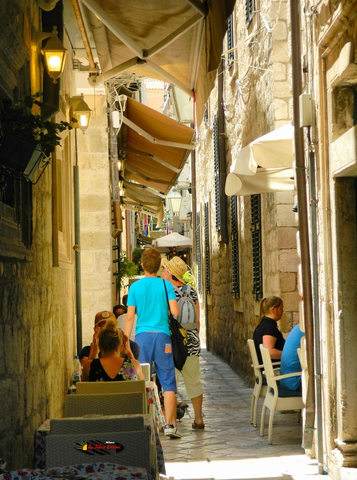 Dubrovnik Old City, Croatia, Nikon Coolpix L310, 18.6mm, 1/125s, ISO80, f/4.5, HDR-Art photography, 201607081237