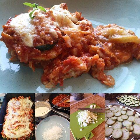 En kom i form rett😃 En mix mellom lasagne og mousssaka kanskje? Del en squash/zucchini og 1 skrelt aubergine i skiver og dryss over litt salt på hver sin tallerken. Salt fordi det trekker ut bitterstoffer fra auberginen, og fordi den trekker  ut veske fra squash'en slik at denne formen ikke blir ...